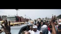 Police etoboli ba pneus ya motuka ya Fayulu mpe epekisi bato kotambola na Kinshasa (Interview A. Ndombasi)
