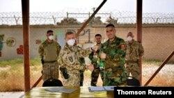 지난 6일 아프가니스탄의 미국 기지 마이크스판 캠프의 통제권이 아프간군에게 양도됐다.