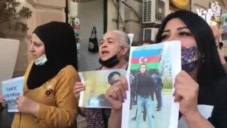 """Bakının mərkəzində etiraz aksiyası: """"Kirayədə qalan adam terror maliyələşdirə bilməz!"""""""