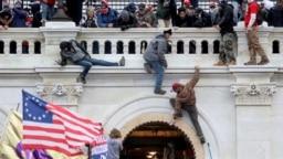 Người ủng hộ ông Donald Trump bạo loạn tại Quốc hội ngày 6/1/2021.