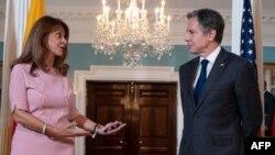 El secretario de Estado Antony Blinken, a la derecha, se reúne con la vicepresidenta y ministra de Relaciones Exteriores de Colombia, Marta Lucía Ramírez, en el Departamento de Estado en Washington, el 28 de mayo de 2021.