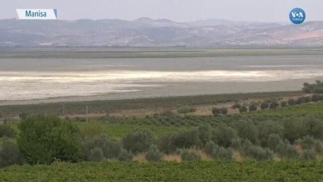 Marmara Gölü Kuruyunca Kıyı Köylerden Göç Başladı
