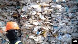 ضایعات پلاستیکی استرالیا که به مالزی صادر می شود - آرشیو