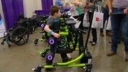 Specijalni roboti koji pomažu u hodanju izazvali veliko interesovanje