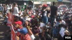 缅甸民众抗议军事政变