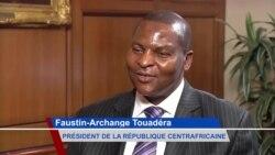Interview de Faustin-Archange Touadera sur VOA Afrique (vidéo)