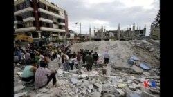 2016-04-18 美國之音視頻新聞: 厄瓜多爾大地震死亡人數目前為272人