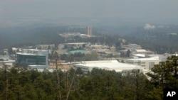 Лос-Аламосская национальная лаборатория - одна из двух лабораторий, ведущих в США работы по ядерному оружию