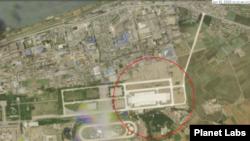 북한 평양 미림비행장 인근 열병식 훈련장을 촬영한 15일자 위성사진. 사진 제공: 플래닛 랩스(Planet Labs).