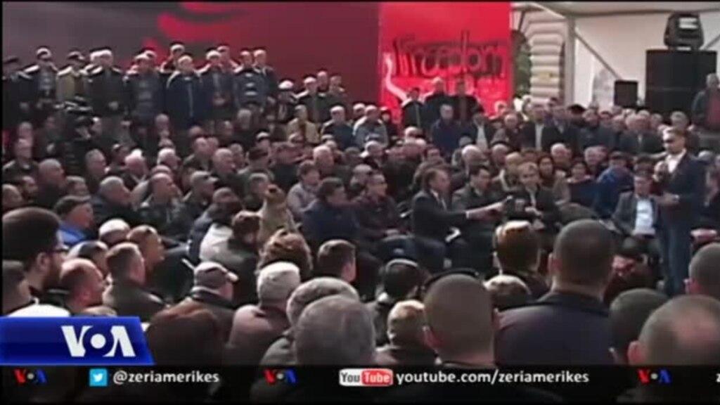 Studiuesit komentojnë krizën politike në Shqipëri