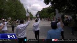 Prishtinë, protestë kundër orareve kufizuese