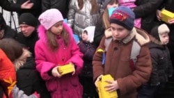 Ukrainian Kids Send Putin Toy Soldiers