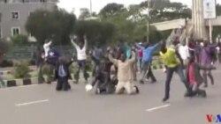 La police anti-émeute disperse de nouvelles manifestations de l'opposition au Kenya (vidéo)