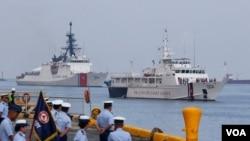 شناورهای واکنش سریع گارد ساحلی ایالات متحده و فیلیپین در نزدیکی مانیل پس از انجام یک رزمایش مشترک در دریای چین جنوبی در ۱۵ مه ۲۰۱۹.