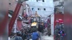 国际救援涌入尼泊尔 余震威胁仍在