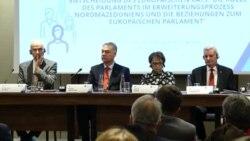 Понекогаш кризата може и да биде продуктивна - дебата за иднината на Северна Македонија