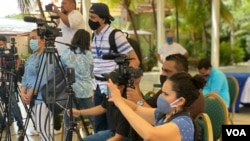 FILE - Nicaraguan journalists cover a news conference by the political opposition in Managua, Feb. 2021. (Image Credit: Houston Castillo)
