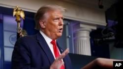 도널드 트럼프가 3일 백악관에서 기자회견을 가졌다.