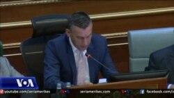 Kosovë, debat për bisedimet me Serbinë