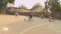 Les amputés centrafricains tentent de se frayer un chemin dans la société