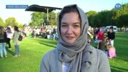 Yeni Zelandalı Kadınlar Başörtüsüyle Destek Vermeye Devam Ediyor