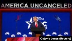 Bivši predsednik Donald Tramp na konferenciji Konzervativne političke akcije (CPAC) 2021.