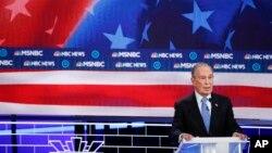 Bivši gradonačelnik Njujorka Majkl Blumberg tokom debate demokratskih predsedničkih kandidata, u Las Vegasu (Foto: AP/John Locher)