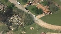 救援人員繼續在德州爆炸現場尋找生還者