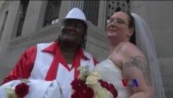 美最高法院拒绝受理上诉 更多州同性婚姻合法
