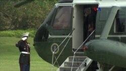 Obama rompe protocolo para ser un caballero
