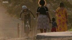 Au Lesotho, une championne en cyclisme inspire les jeunes filles à faire du vélo