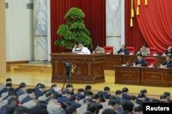 김정은 북한 국무위원장이 노동당 중앙위원회 제7기 제5차 전원회의를 주재했다고 북한 관영 '조선중앙통신'이 지난해 12월 보도했다.