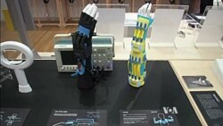 Device Helps Children with Muscle Diseases Move Their Hands