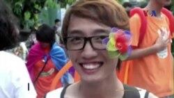 Hàng trăm người chuyển giới Việt Nam muốn có giấy khai sinh mới
