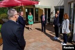 Belarusian opposition politician Sviatlana Tsikhanouskaya meets with U.S. Deputy Secretary of State Stephen Biegun in Vilnius, Lithuania, Aug. 24, 2020. (Sviatlana Tsikhanouskaya Headquarters/Handout via Reuters)