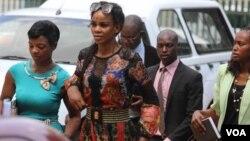 UMarry Mubaiwa ubesemthethwandaba weHigh Court ngoLwesibili eHarare. (Columbus Mavhunga/VOA)