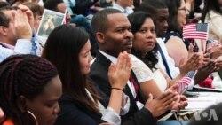 独立日百名移民在华盛顿故居宣誓入籍