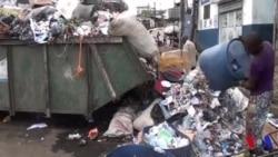 Les habitants de Douala se plaignent des rues pleines d'ordures (vidéo)