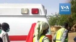Des secouristes nigérians sur les lieux d'une attaque djihadiste
