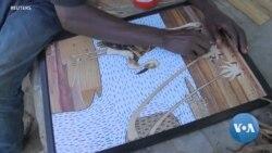 Les artistes transforment les mauvaises herbes de la jacinthe d'eau en œuvres