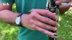 Джаз с цикадами и борода Дэвида Линча: последние новости шоу-бизнеса в США