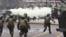 Şili'de Öğrenciler Sokağa Döküldü