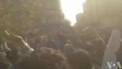 معترضان مقابل دانشگاه تهران: ما تماشاگر نمیخواهیم، به ما ملحق شوید