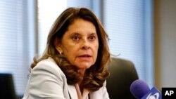 En esta foto de archivo del 6 de mayo de 2019, la vicepresidenta de Colombia, Marta Lucía Ramírez, habla en una conferencia de prensa en la embajada de Colombia en Washington.