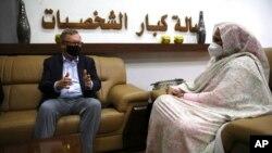 Jeffrey Feltman, bidix, iyo wasiirka arrimaha dibada Suudaan Maryam al-Sadiq al-Mahdi