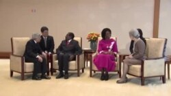 Zimbabwe's President Robert Mugabe and his wife, Grace, met with the Japanese Emperor Akihito and Empress Michiko on Monday (March 28)