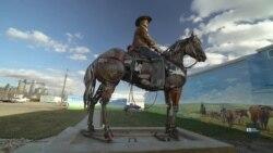 Майстер перетворює металобрухт на дивовижні скульптури. Відео