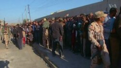 As Iraqi Forces Push Into Mosul, Civilians Clamor for Food, Water