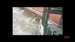 """強烈颱風""""山竹""""襲擊香港 (粵語)"""