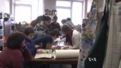 """Rossiyada qochoqlarga yordam beruvchi tashkilot """"Xorij agenti"""" deb tamg'alandi"""